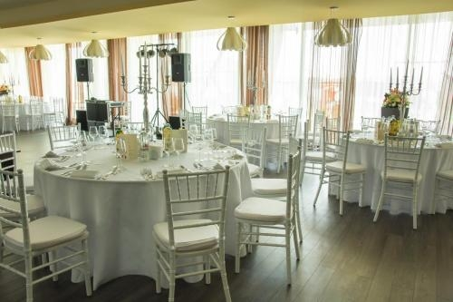 Lakeview Restaurant si Ballroom